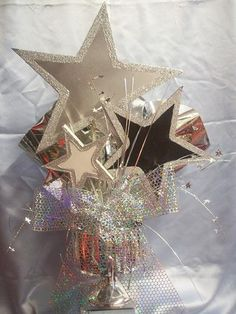 Triple star centerpiece Triple star centerpiece Source by Star Wars Party, Star Party, Sweet 16 Parties, Grad Parties, Birthday Parties, Star Centerpieces, Star Decorations, Centerpiece Decorations, Dance Themes