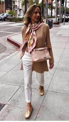 Womens Style Discover Well Dressed and On Trend Using These Dressing Tips - Casual outfit - 50 Fashion Look Fashion Fashion Outfits Womens Fashion Fashion Trends Feminine Fashion Fashion Ideas Classy Fashion Fashion Spring Over 50 Womens Fashion, 50 Fashion, Look Fashion, Fashion Trends, Fashion Dresses, Fashion Ideas, Classy Fashion, Feminine Fashion Style, Fashion Spring