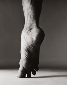 "Rudolf Nureyev, ""en pointe"",New York 1967  Richard Avedon"