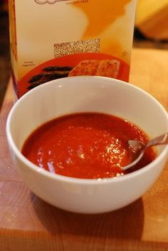 Simple Tomato Basil Quinoa Soup - this looks delicious!