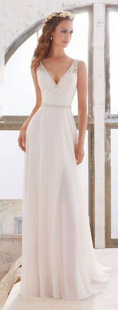 80+ Simple Wedding Dresses For Effortlessly Chic Brides