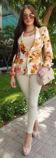 Floral Blazer Streetstyle by Laura Badura Fashion