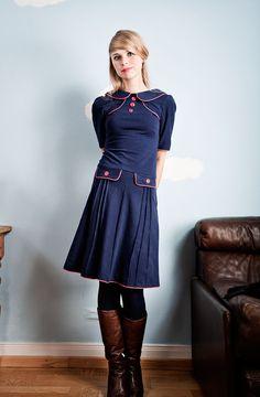 Knielange Kleider - Marineblaues 60er Jahre Jerseykleid - ein Designerstück von Peppermint_Patty bei DaWanda