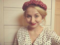 Shopaholic Nicol: DIY flower crown na Blogerku roku ♥ Diy Flower Crown, Diy Flowers, Celebs, Celebrities, Every Girl, Youtubers, Diy Projects, T Shirts For Women, Czech Republic