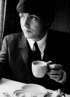 S. J. Paul McCartney♥♥  When are you free to take some tea with me - tea for Paul