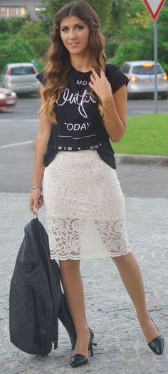 Lace Pencil Skirt Streetstyle