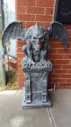 Scary Halloween Haunted House Outdoor Decoration - Home to Z Scary Halloween Decorations, Halloween Haunted Houses, Halloween House, Spooky Halloween, Halloween Themes, Vintage Halloween, Halloween 2018, Halloween Outside, Outdoor Halloween
