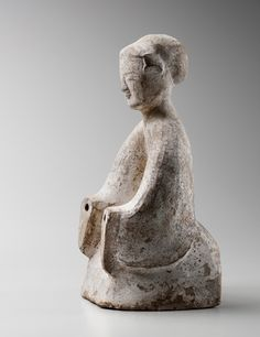 Kneeling earthenware court lady. Eastern Han dynasty (25 - 220). Height: 33,8 cm (13 5/16 inches). Credit: Photo Studio Roger Asselberghs – Frédéric Dehaen The Han Dynasty, Frederic, China Art, Gisele, Earthenware, Garden Sculpture, Art Pieces, Asia, Lady