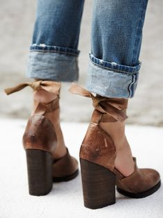 wedges | jeans | tie up heels | leather heels | hippie | spring / summer outfits | shoes