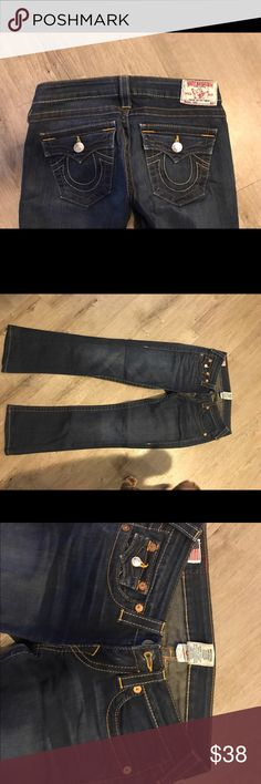 """True Religion Medium Wash  Bootcut Jeans - Size 26 True Religion medium wash bootcut jeans - Size 26. Great shape, barely worn, no longer fit. Worn <10 times. Great deal! Please let me know if you have any questions at all! Hemmed to fit 5'3-4"""". True Religion Jeans Boot Cut"""