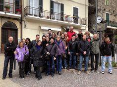 Foto di gruppo con il sindaco di Dolceacqua prima dell'invasione