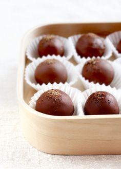 trufas de chocolate noz-moscada