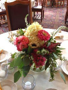 Hydrangea, zinnias, spray roses, dahlias, seeded eucalyptus.. Perfect combo for a bohemian wedding. #willowspecialty #utahweddings
