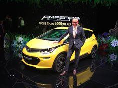 Premier modèle électrique d'Opel, la compacte Ampera-e offre une autonomie réelle de 380 km et un tarif contenu sous la barre des 40 000 euros (avant aides)