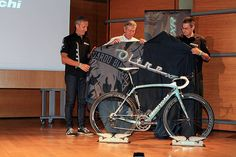 "ITALIAN CYCLING JOURNAL: Bianchi ""Oltre XR"" Launched in Pau"