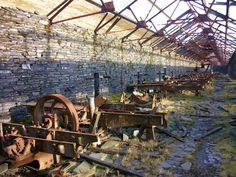 Old, abandoned workshop,The Dinorwig Slate Quarry, Llanberis, Wales. photo by Dafydd Em on flickr.com
