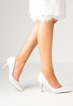 Our gorgeously classic Flush heel