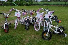 """Czy wszystkie dzieci mają już rowerki na wiosnę? 🚲 Drodzy rodzice, pamiętajcie, że wyrabianie dobrych nawyków w dzieciach to podstawa! 👦👧👶 Rodzinne wypady oderwą dzieci i młodzież od smartfonów, laptopów i siedzącego trybu życia.. dostarczą im niezbędnego ruchu, a w gratisie wzmocnią więzi rodzinne! Czy może być lepiej?😍 Może, bo już w środę na hasło """"8 marca"""" dostajecie 8% zniżki!"""