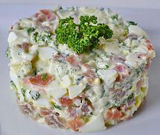 Новогодний салат из красной рыбы с огурцом - рецепты с фото