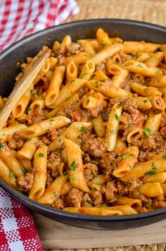 Slimming Eats Syn Free One Pot Cheeseburger Pasta - Slimming World and Weight Watchers friendly Slimming World Pasta Dishes, Slimming World Mince Recipes, Slimming World Dinners, Best Pasta Dishes, Slimming World Diet, Slimming Eats, Tasty Dishes, Dinner Recipes For Kids, Healthy Dinner Recipes