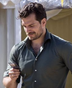 Henry Cavill -Oh man.what a hunk! Henry Superman, Love Henry, Henry Williams, British Men, Attractive People, Henry Cavill, Actor Model, Celebs, Celebrities