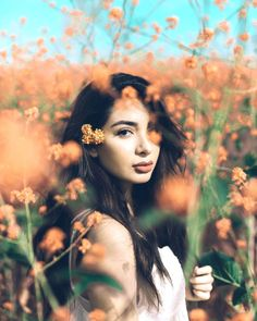 63 Ideas Nature Photoshoot Poses Photo Ideas For 2019 Fruit Photography, Portrait Photography Poses, Outdoor Photography, Girl Photography, Creative Photography, Fashion Photography, Photography Ideas, Portrait Poses, Senior Portraits