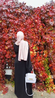 Modest outfit inspiration #hijab #modesty #fashionmodesty #pink #nude #autumn #abayafashion #hijabfashion #Autumnleaves