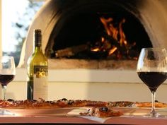 Wine and wood-fired pizza at 14 Church St, Palmwoods Photo Erle Levey / Sunshine Coast Daily Pizza Restaurant, Wood Fired Pizza, New South, Sunshine Coast, Brisbane, White Wine, The Good Place, Alcoholic Drinks, River