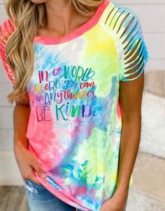 Tie Dye Colors, Casual Tops For Women, Short, Tshirt Colors, Types Of Sleeves, Casual Shirts, Red And Blue, Floral Prints, Tees
