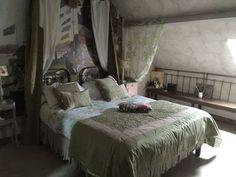 Une des chambres d'hôtes à vendre dans l'Eure à Tourny près de Giverny