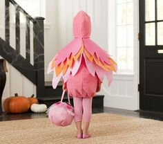 Flamingo Costume - good back view Flamingo Halloween Costume, Bird Costume, Toddler Halloween Costumes, Halloween Kostüm, Halloween Themes, Halloween Decorations, Diy Baby Costumes, Kids Dress Up, Flamingo Party