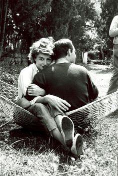 Hommage à Maurice Ronet qui nous quittait le 14 Mars 1983. Tendre complicité avec Anouk Aimé, lors du 15e Festival de Cannes Photo: François Gragnon / Paris Match