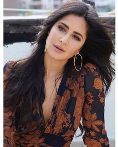 Katrina Kaif hot photos are just one of the best thing you see today and if you don't know her well, she is one of the most beautiful and hottest actress in Bollywood. Indian Actress Photos, Indian Film Actress, Indian Actresses, Indian Celebrities, Bollywood Celebrities, Bollywood Actress, Katrina Kaif Images, Katrina Kaif Photo, Katrina Kaif Dresses