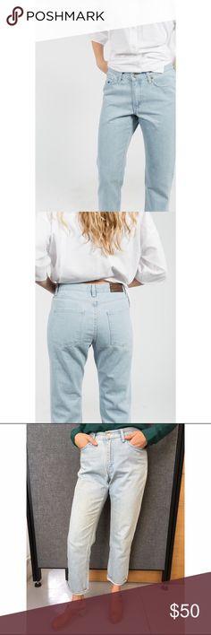 Berangere Claire Span jean 5 pocket boyfriend cut jean in light wash, size 26, 100 percent cotton made in Portugal, great condition Bérangère Claire Jeans