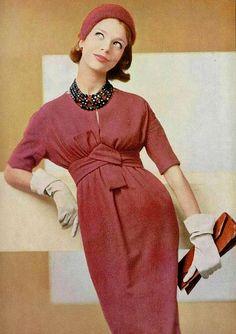 Dress by Lanvin-Castillo, gloves and clutch by Hermès ♥ 1958