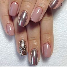 False nails have the advantage of offering a manicure worthy of the most advanced backstage and to hold longer than a simple nail polish. The problem is how to remove them without damaging your nails. Coffin Nails Glitter, Coffin Nails Long, Acrylic Nails, Metallic Nails, Marble Nails, Long Nails, Shellac Nails Fall, Bio Gel Nails, Glitter Toms