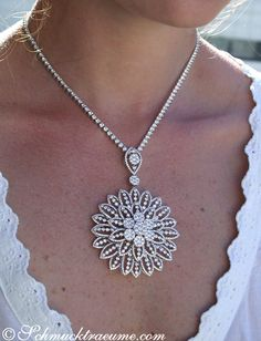 Luxury Gem: Gigantic Diamond Pendant ´| 13.90 ct. G VS | WG-18k