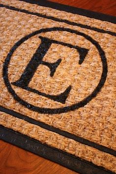 DIY: monogram doormat