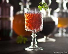 smyrna_megalokonomos_maintanos Alcoholic Drinks, Cocktails, Wine, Glass, Craft Cocktails, Drinkware, Corning Glass, Liquor Drinks, Cocktail