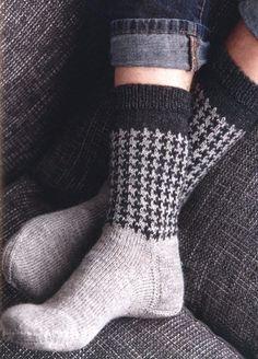 Diy Knitting Socks, Crochet Socks, Knit Crochet, Knit Socks, Knitting Patterns Free, Free Knitting, Fair Isle Pattern, Boot Cuffs, Mitten Gloves