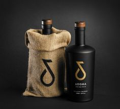 Ioannis Fetanis - ΔOGMA Extra Virgin Olive Oil — World Packaging Design Society / 世界包裝設計社會 / Sociedad Mundial de Diseño de Empaques Olive Oil Packaging, Bottle Packaging, Brand Packaging, Packaging Design, Branding Design, Packaging Ideas, Food Branding, Packaging Solutions, Unrefined Coconut Oil