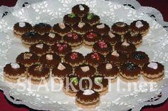 Granko dortíčky s čokoládou Czech Recipes, Gingerbread Cookies, Tiramisu, Waffles, Biscuits, Muffin, Breakfast, Food, Bakken