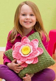 Crocheting: Spring Fling Pillo