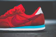 The second delivery of Nike Air Pegasus 83s for 2014 is now commencing. The first one we're seeing is this Light Crimson pair, which is the one of the family including Bright and Laser shades that actually looks the most … Continue reading →
