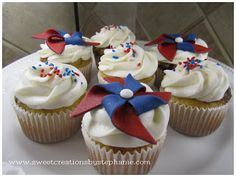 Sweet Creations by Stephanie: Fondant Pinwheel Tutorial