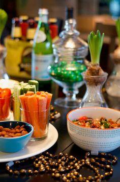 Super Bowl Party Menu – RecipeGirl Superbowl Party Ideas and Menu Super Bowl Party, Healthy Superbowl Snacks, Game Day Snacks, Tailgating Recipes, Game Recipes, Baking Recipes, Recipies, Middle Eastern Salads, Cheesy Enchiladas