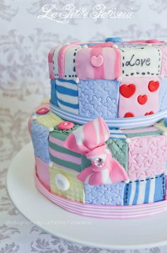 Patchwork cake - For all your cake decorating supplies, please visit… Patchwork Cake, Quilted Cake, Patchwork Ideas, Fancy Cakes, Cute Cakes, Pretty Cakes, Unique Cakes, Creative Cakes, Fondant Cakes