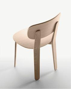 Alki Triku Chair in Oak by Samuel Accoceberry