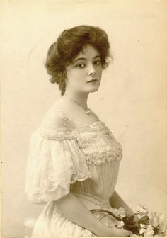 Edwardian actress Marie Doro who started out on the stage and later transitioned to silent films. #Edwardian #actresses #Marie_Doro #silent_films #stage #women #beautiful