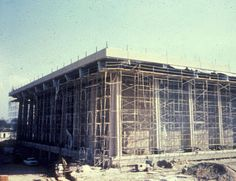 Construction of the Oviatt Library, ca. 1972 :: CSUN University Archives
